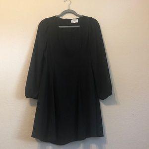 Large Everly black dress guc
